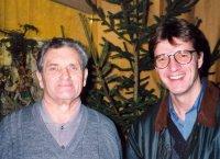 Die Krippenfreunde Ludwig Zangerl und Sepp Horngacher nach der Vorbereitung der Ausstellung