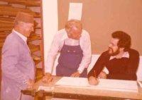 Krippenbaumeister Karlheinz Geisler (ganz rechts) mit den späteren Gründungsmitgliedern Lorenz Perktold und Hans Schindl (von links)